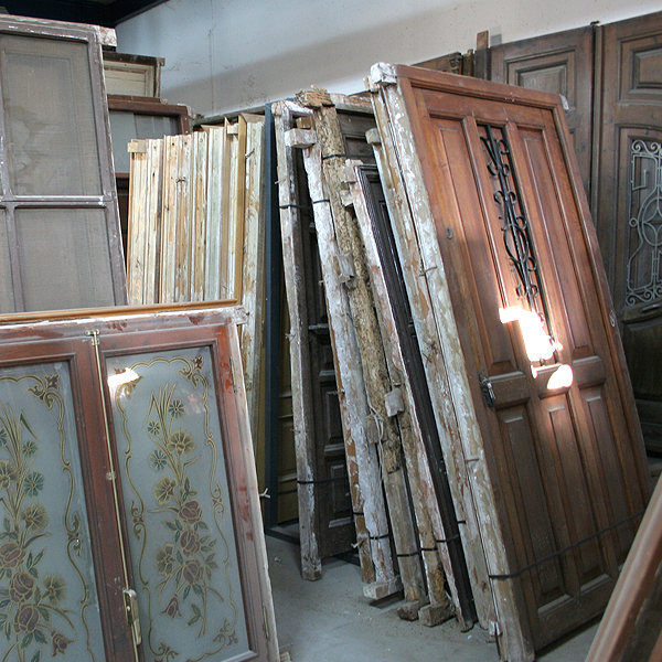 Derribos valencia puertas materiales de construcci n for Puertas antiguas de derribo